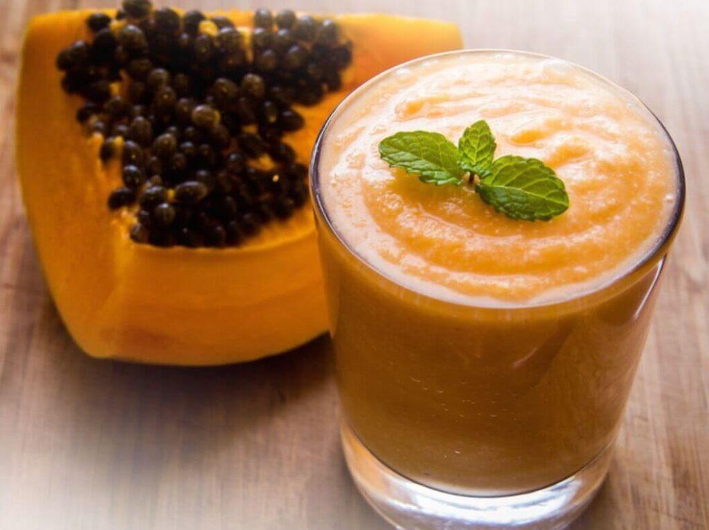 como-hacer-un-batido-de-papaya